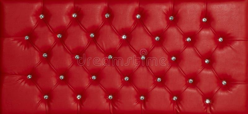 Czerwony luksusowy rzemienny diament nabijający ćwiekami tło zdjęcie stock