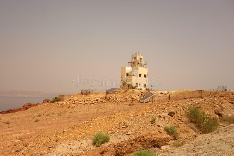 Czerwony morze w Jordanowskim starym budynku fotografia royalty free