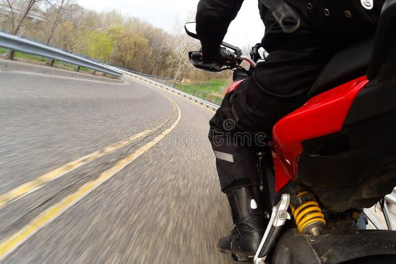 Download Czerwony Motocyklu Kręcenie Obraz Stock - Obraz złożonej z target136, kręcenie: 57662269