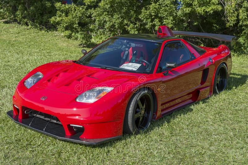 Czerwony niestandardowy samochód importowy obrazy stock
