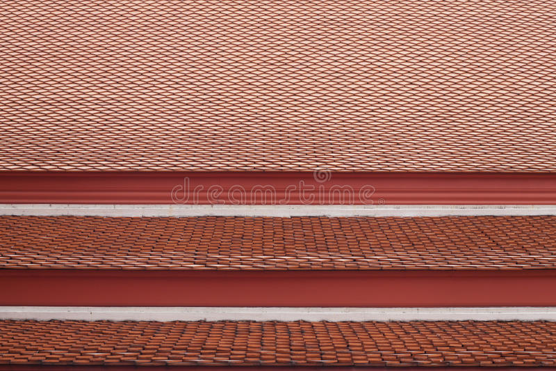 czerwony płaski ceramiczny dachówkowy dach poprzedni Królewski Tajlandzki pałac budynek obraz royalty free
