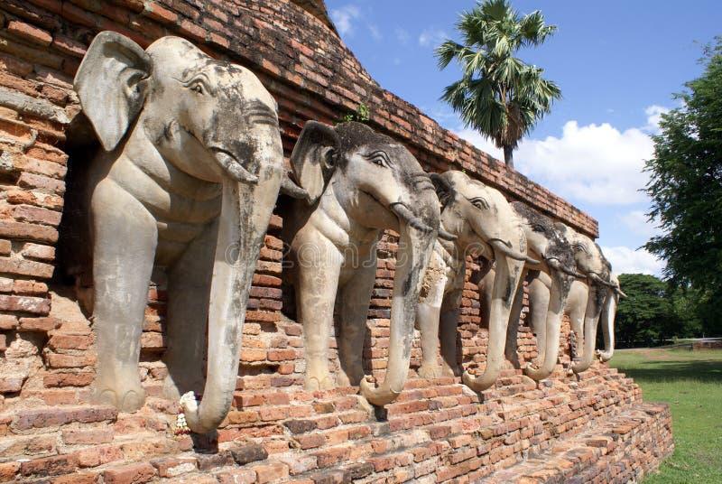 czerwony pagodowy bric white słoni fotografia royalty free