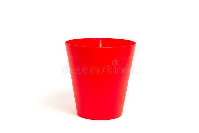 Czerwony plastikowy trashcan zdjęcie stock