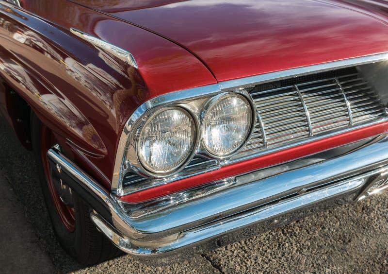 Czerwony Pontiac Catalina fotografia stock