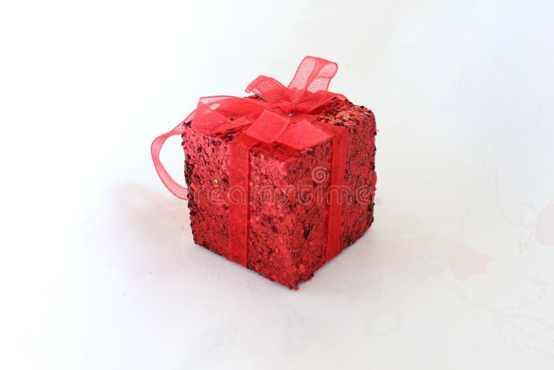 Czerwony prezent obraz royalty free