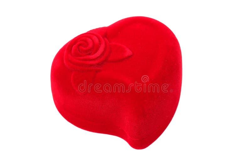 Czerwony serce kształtujący pierścionku pudełko obrazy royalty free