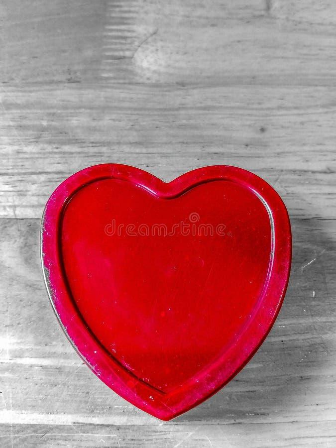 Czerwony serce Kształtujący pudełko fotografia stock