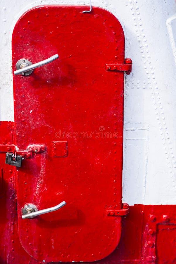Czerwony statku drzwi obraz royalty free