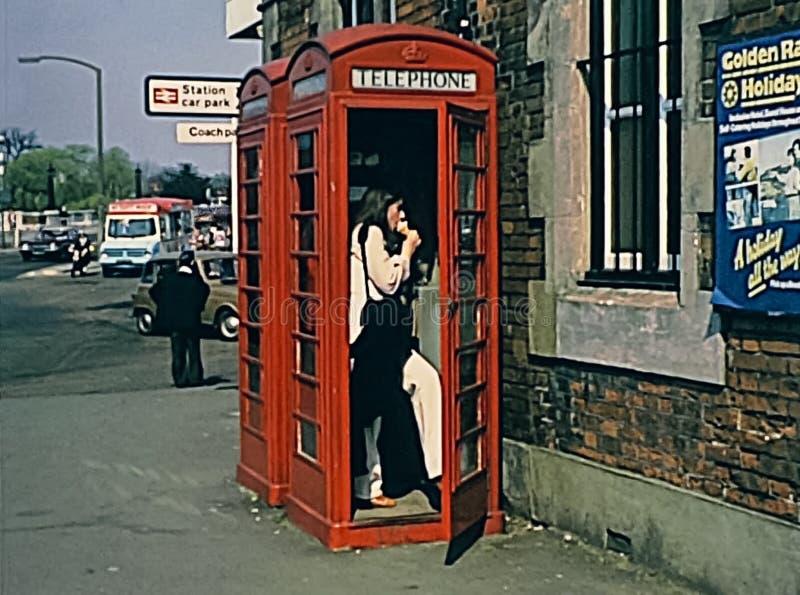 Czerwony telefoniczny pudełko obrazy royalty free