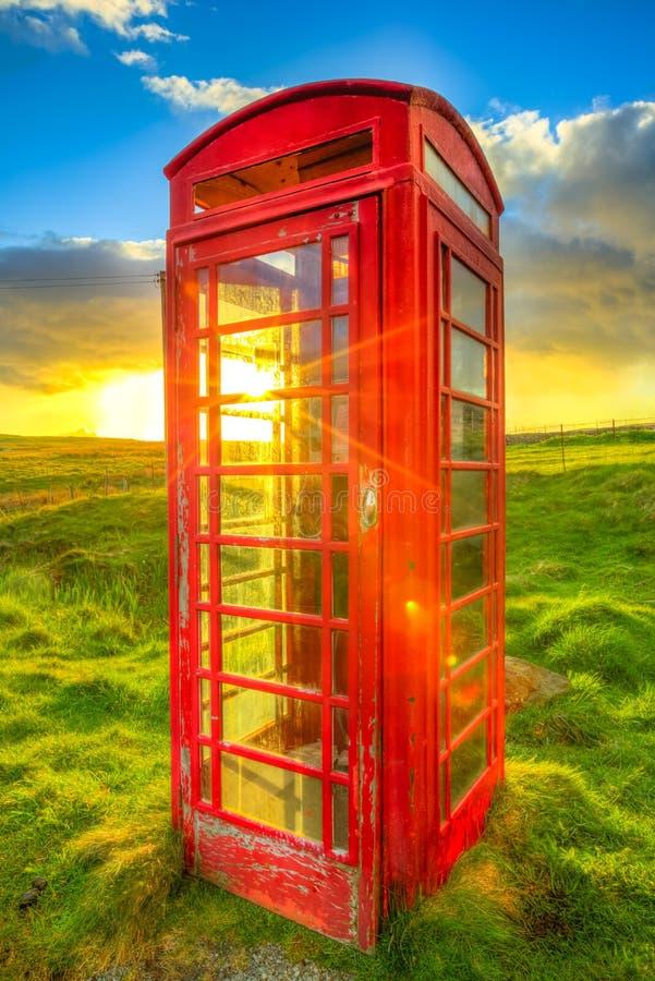 Czerwony telefoniczny pudełko fotografia stock
