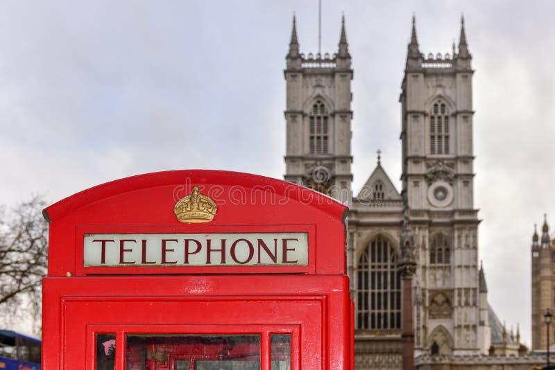 Czerwony Telefoniczny pudełko - opactwo abbey obrazy stock