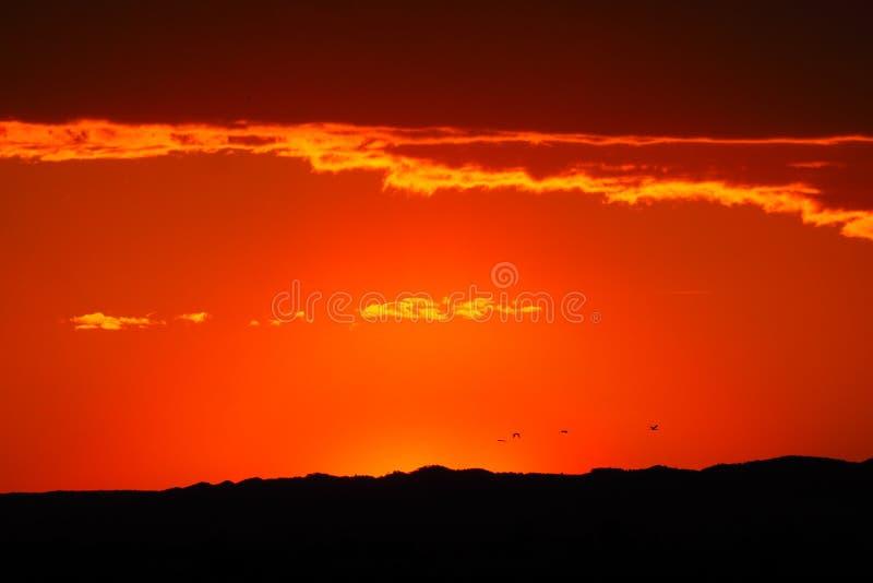 Czerwony zmierzch w Ivars, Lleida fotografia stock