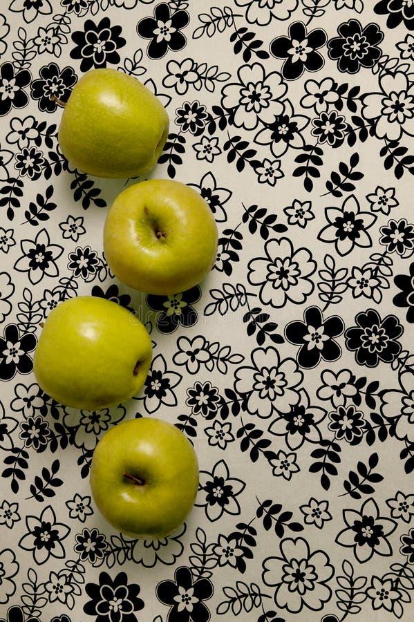 Cztery żółtego jabłka zdjęcia royalty free