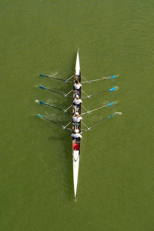 Cztery kobiety wiosłuje na Danube rzece obrazy royalty free