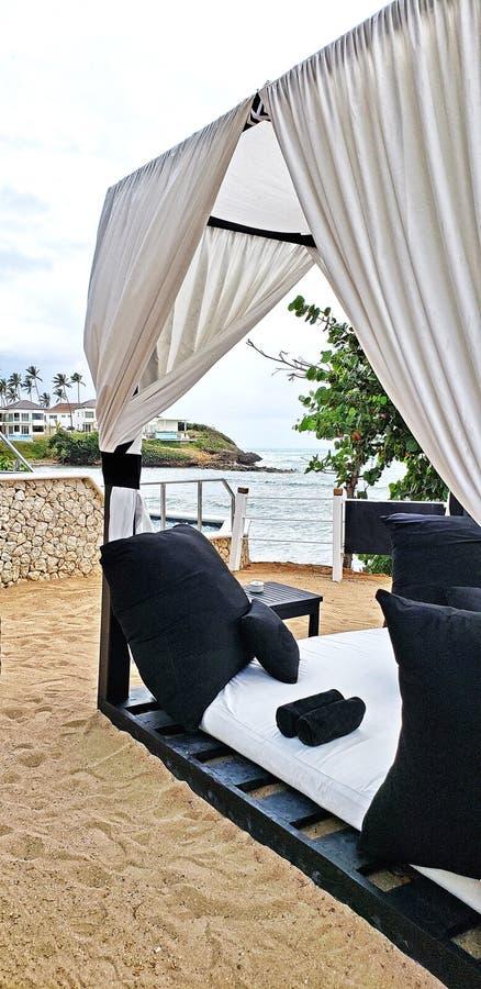 Cztery Seat nadmorski Cabana zdjęcie royalty free