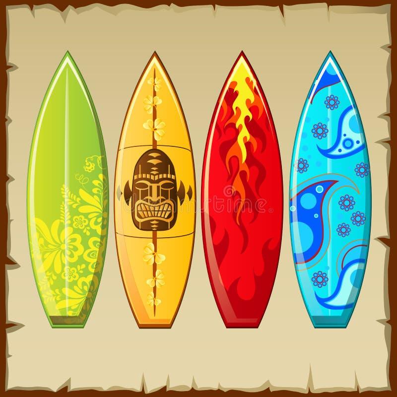 Cztery surfboards z różnym wzorem ilustracji