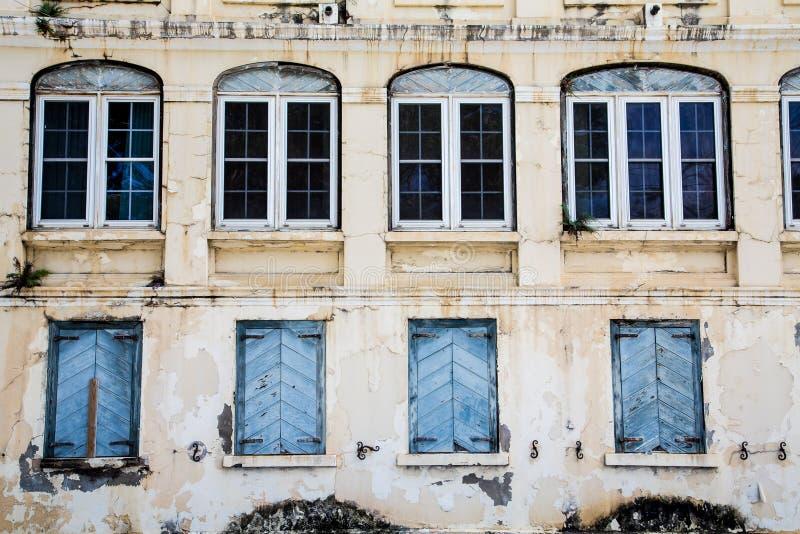 Cztery Szklany i Cztery Zamykający Windows zdjęcie stock