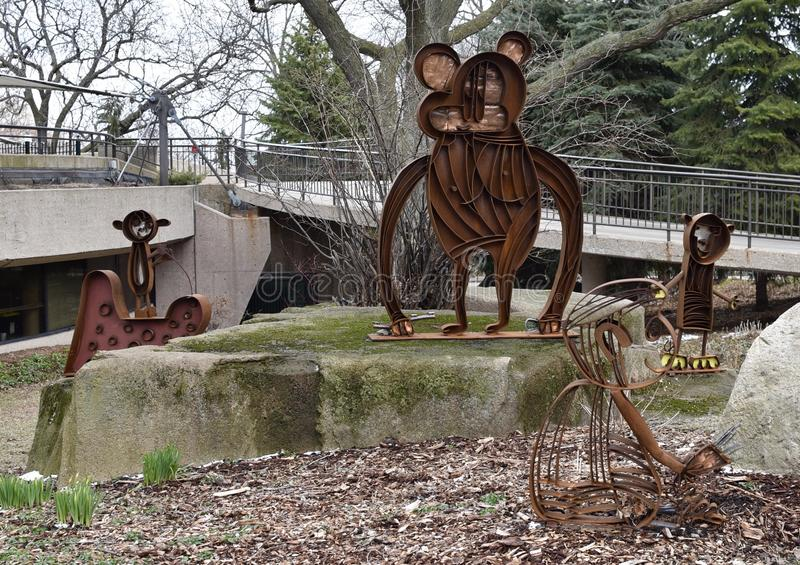 Cztery szympans rzeźby zdjęcia stock