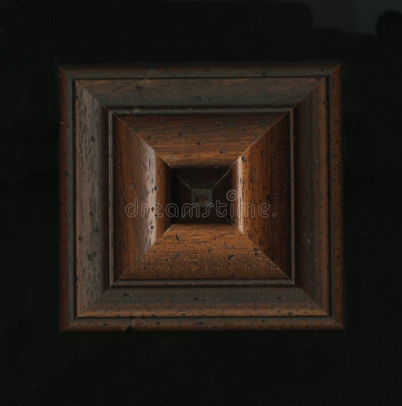Czworościenna kwadratowa dekoracyjna różyczka drewniana otoczka obdziera fotografia stock