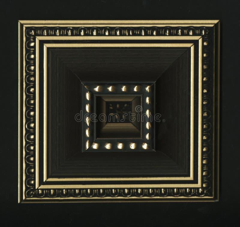 Czworościenna kwadratowa dekoracyjna różyczka drewniana otoczka obdziera zdjęcie stock