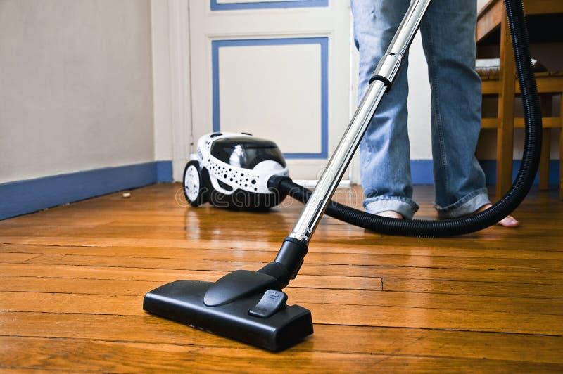 czyścić dom
