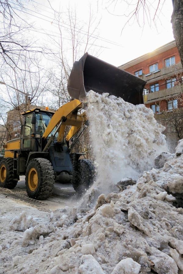 Czyścić ulicy śnieg obraz royalty free