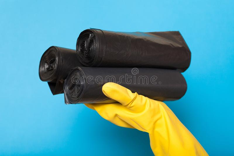 Czyści czarne rozporządzalne grat torby, śmieciarski ścinku zbiornik obrazy stock