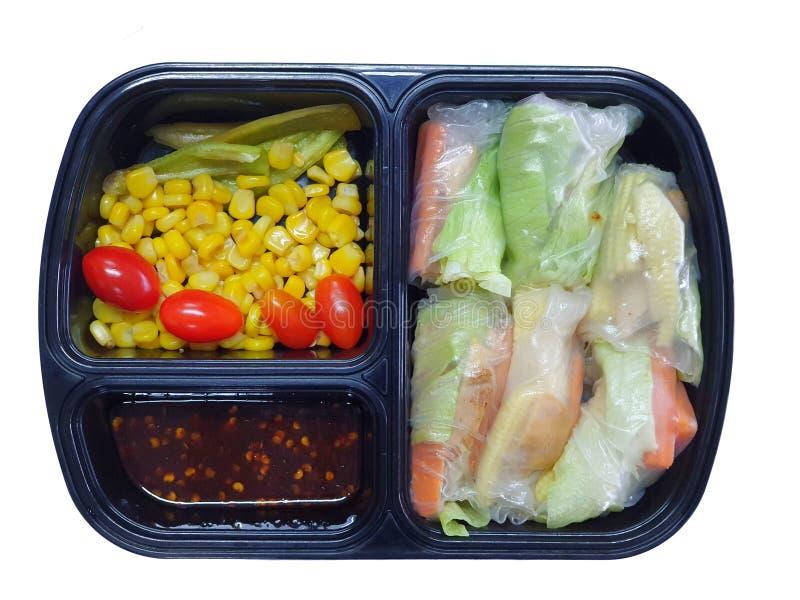Czysty jedzenie styl, Odgórny widok hydroponic jarzynowa sałatka staczająca się z piec na grillu kurczak piersiami fotografia stock