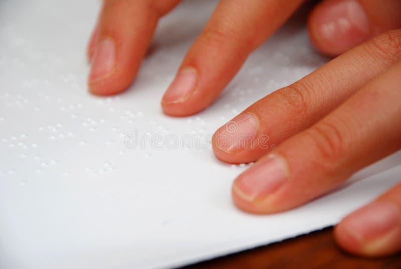 czytanie braille obraz stock