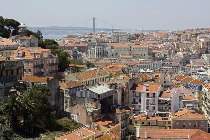 Dächer von Lissabon stockbilder