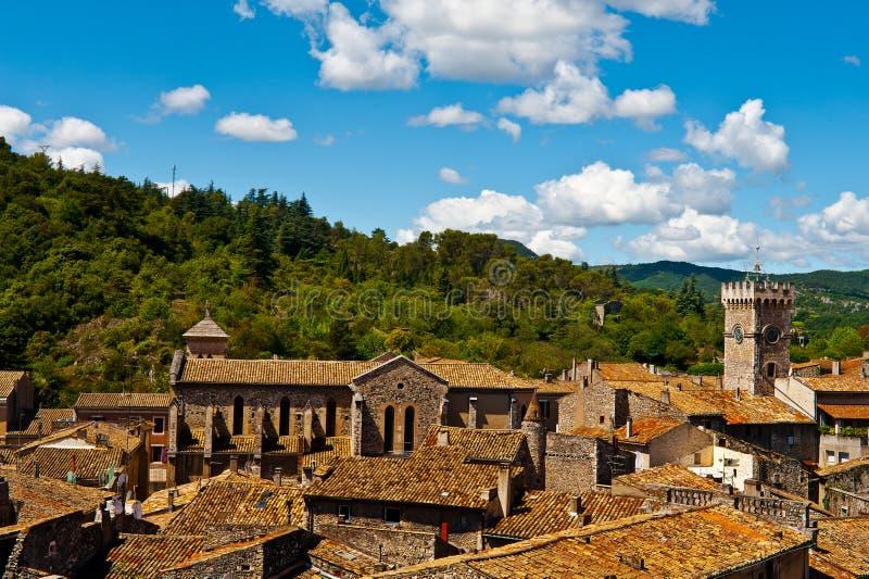 Dächer von Viviers stockfotos