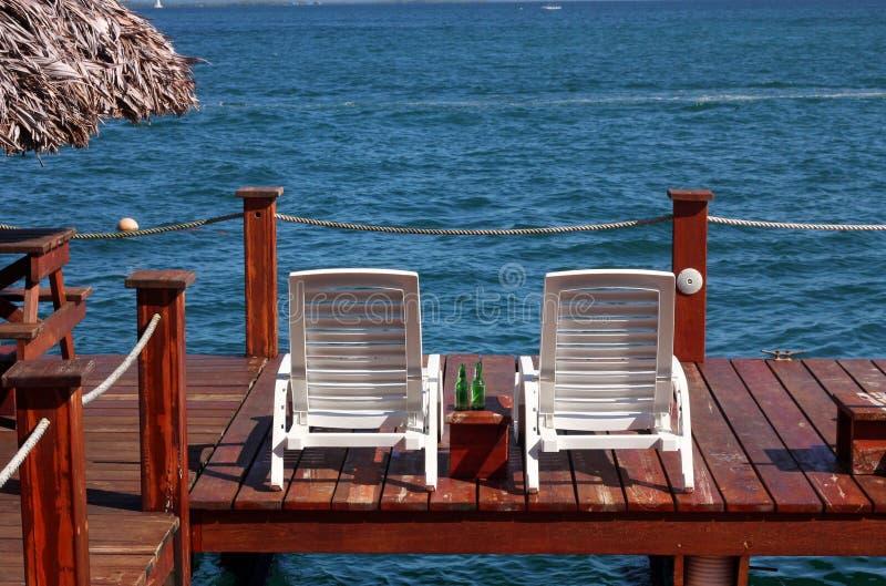 Däck för Bocas stadhotell, Bocas del Toro, Panama royaltyfri bild