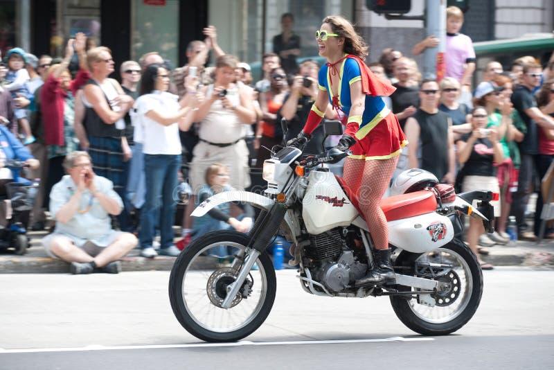 Dämme auf Fahrrädern Seattle-an der homosexuellen Stolz-Parade stockfoto