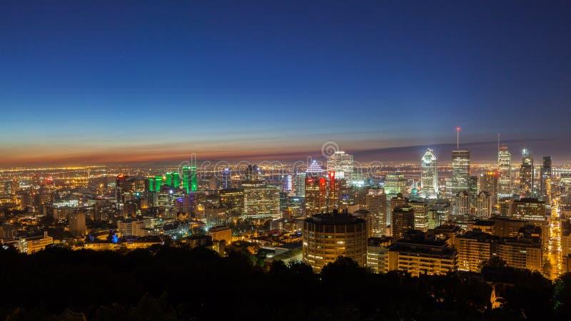 Dämmerung über den Montreal-Skylinen stockfoto