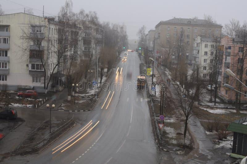 Dämmerung auf den Stadtränden von Moskau stockfotografie