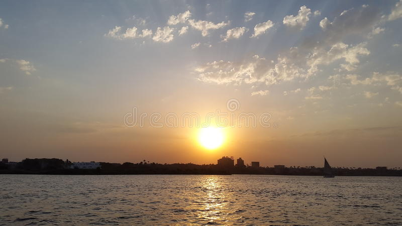 Dämmerung beim Nil lizenzfreies stockfoto