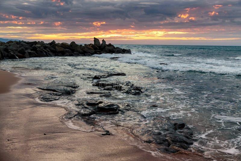 Dämmerung an Opollo-Bucht, große Ozean-Straße, Victoria, Australien stockfotografie