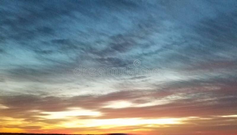Dämmerung zum Ozean-Himmel stockbilder