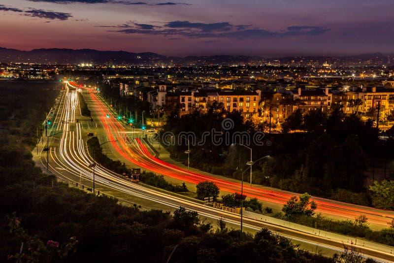 Dämmerungs-Verkehr lizenzfreie stockfotos