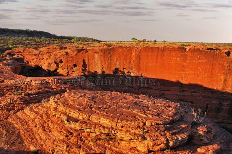 Dämmerungslicht von der Spitze von König ` s Schlucht, rote Mitte, Australien stockfoto