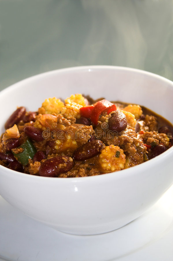 Dämpfendes heißes Chili con carne stockfotos