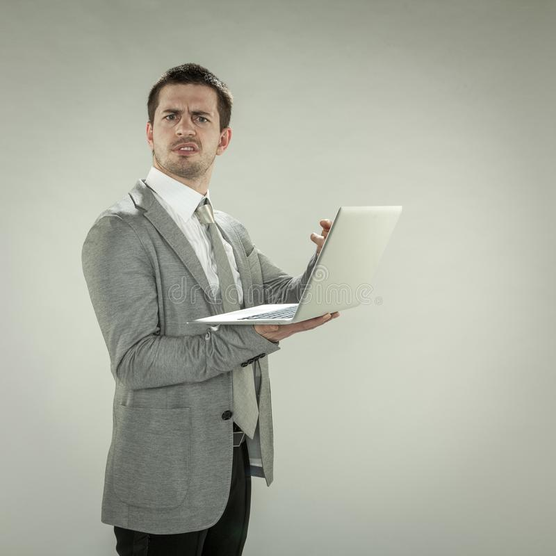 Därför det ` s som inte arbetar, affärsman frågar arkivbilder