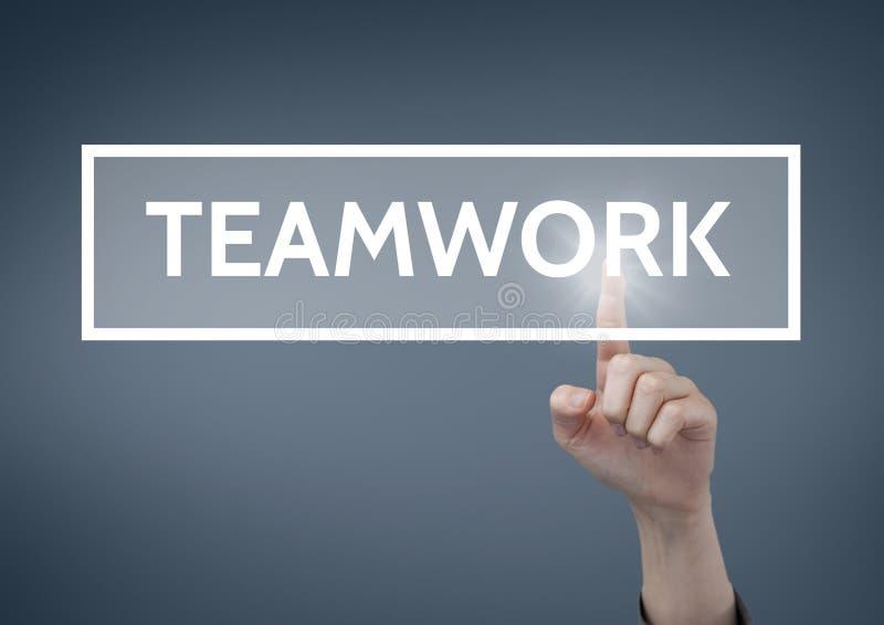 Dé obrar recíprocamente con el texto del negocio del trabajo en equipo contra fondo azul foto de archivo