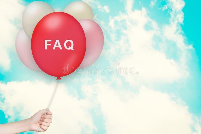 Dé sostener el FAQ o el globo con frecuencia pedido de las preguntas fotografía de archivo libre de regalías