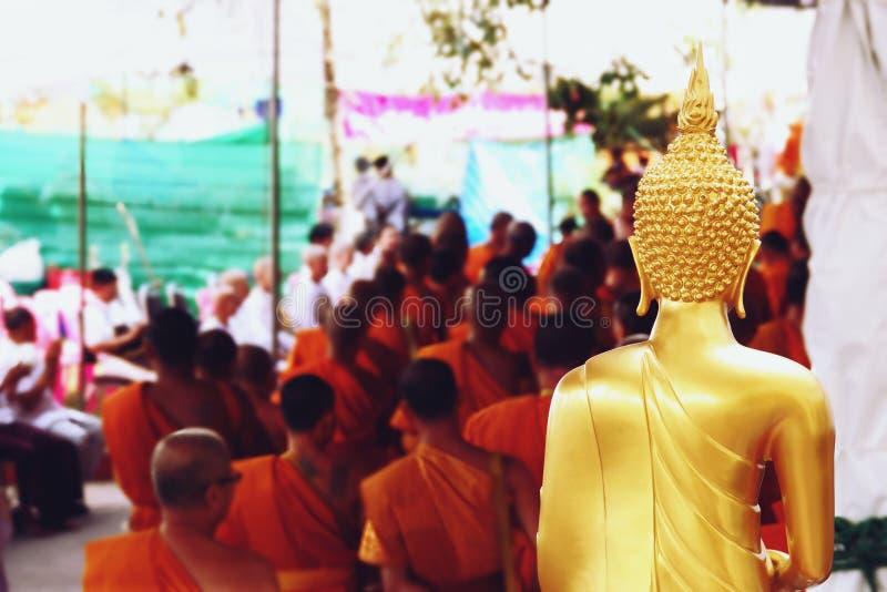 7 décembre 2018, route de Thep Khunakon, Na Mueang, Chachoengsao, statue de Bouddha à l'université pour des moines photographie stock libre de droits