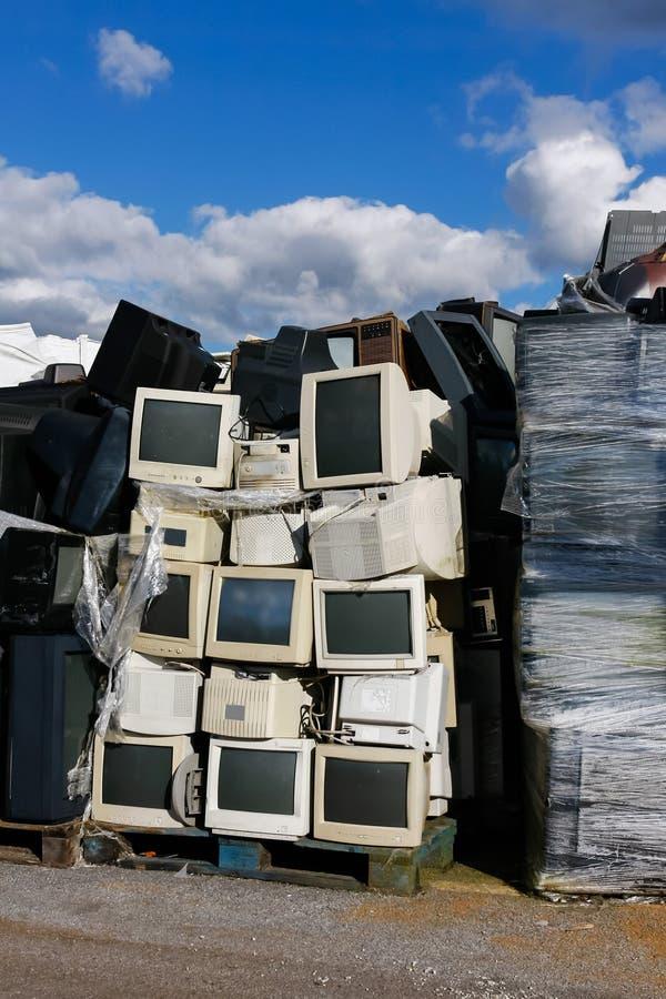 Déchets électroniques modernes photographie stock