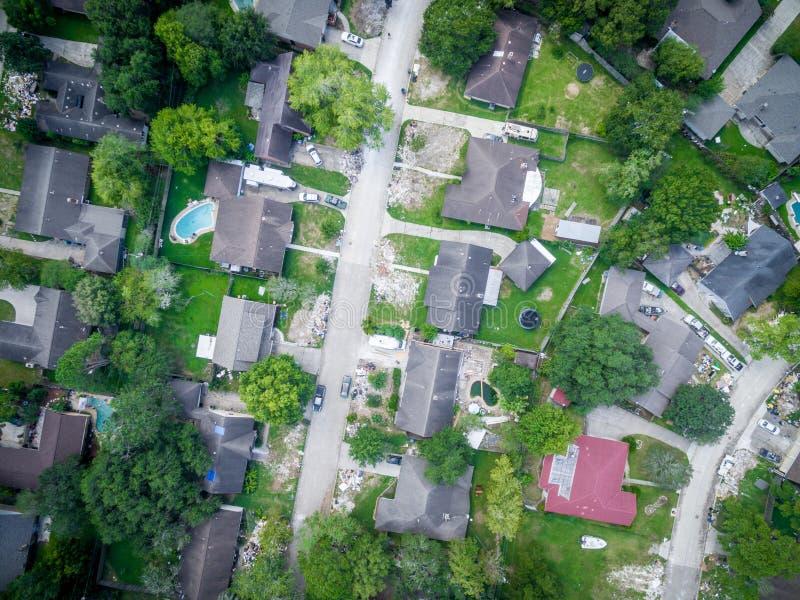 Déchets et débris en dehors de des maisons de Houston images stock