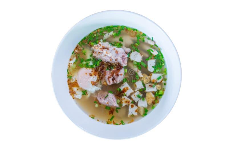 Déchirure vietnamienne de porc de patte de poulet de soupe de nouilles de nourriture photo stock