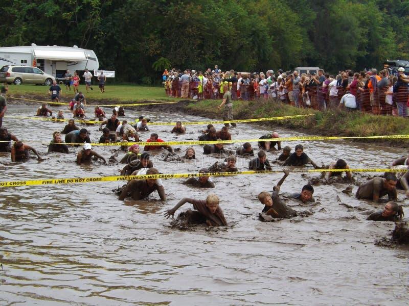 décimo octava Marine Mud Run anual - hoyo del fango fotografía de archivo libre de regalías
