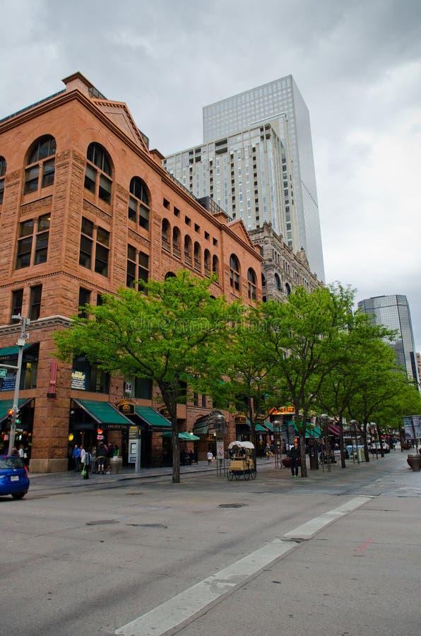 Décimosexto alameda céntrica de la calle de Denver fotos de archivo